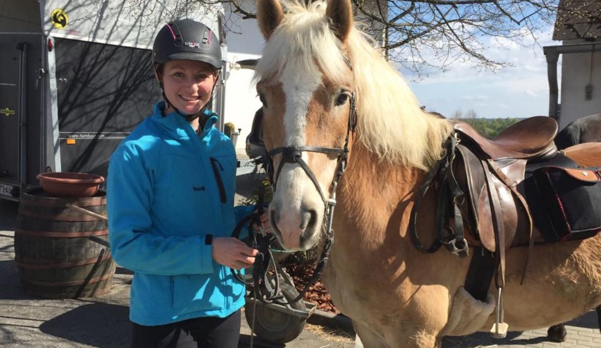 Haflinger Nico trug mich trotz meines verletzten Zehen und meiner Wunde zuverlässig ans Ziel und ich fühlte mich keine Sekunde unsicher. Foto: Haflinger Austria